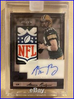 2018 Aaron Rodgers Panini One Shield Patch Auto True 1 Of 1 Look
